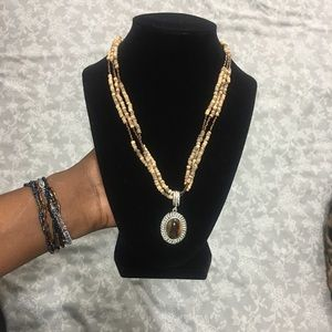 ❤️Avon Tigers Eye Beaded necklace ❤️